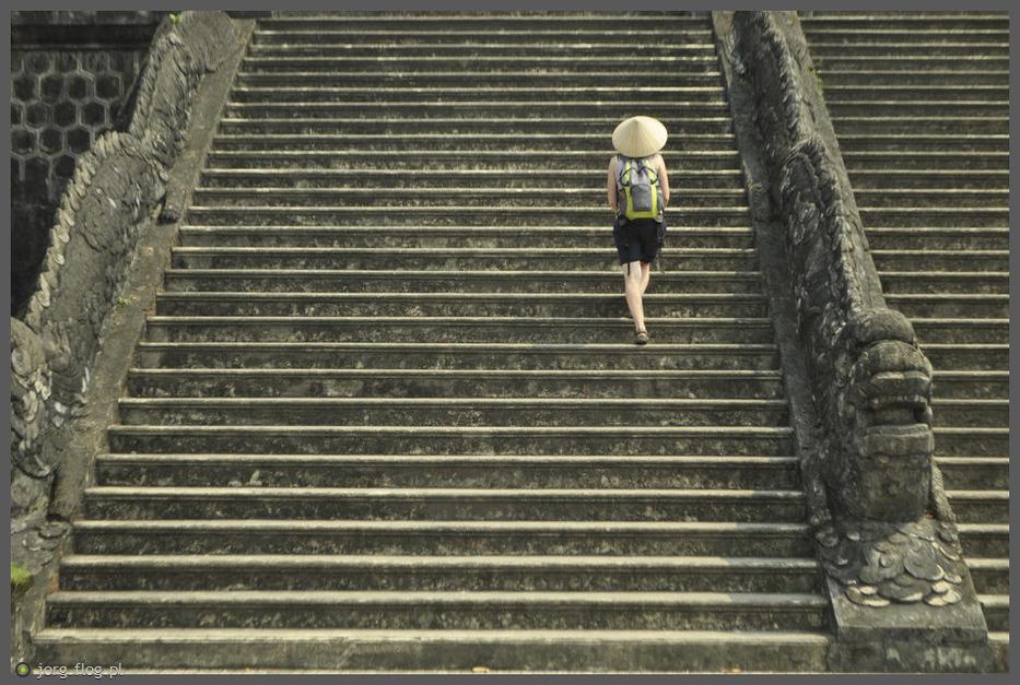 schodami w górę...schodami w dół...