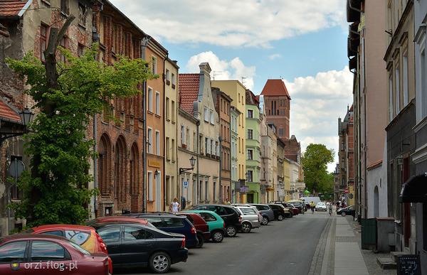 http://s19.flog.pl/media/foto_middle/11062105_-kilka-szotow-z-torunskiej-starowki-grzegorz-orzechowski.jpg