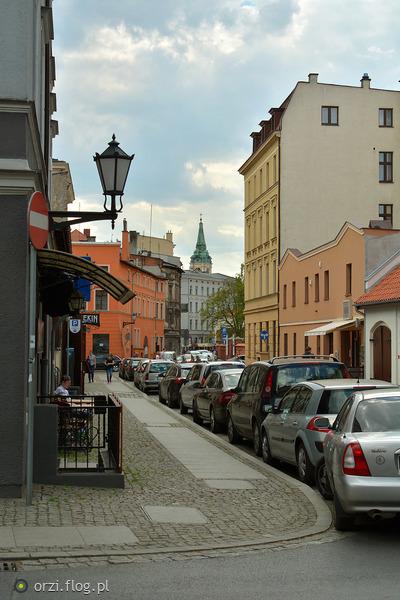 http://s19.flog.pl/media/foto_middle/11065243_kilka-szotow-z-torunskiej-starowki-grzegorz-orzechowski-.jpg