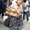 Jesteśmy w Chinach, czy t<br />a pani ma ochotę zjeść pi<br />eski ???